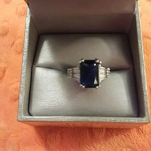 Ladies gorgeous blue sapphire ring